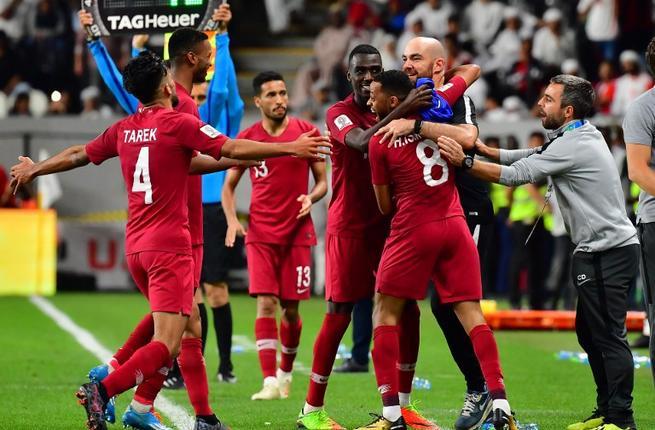 Timnas Qatar merayakan keberhasilannya menembus Final AFC Asian Cup 2019