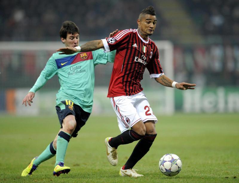 Kevin Prince Boateng duel dengan Lionel Messi
