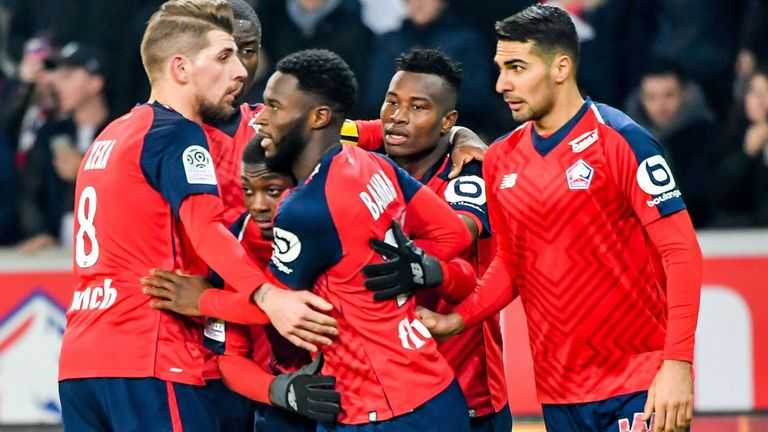 Para pemain Lille rayakan gol ke gawang Nice (Skysports)