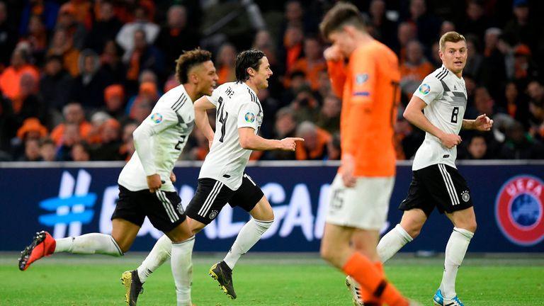 Jerman hentikan penampilan impressif Belanda