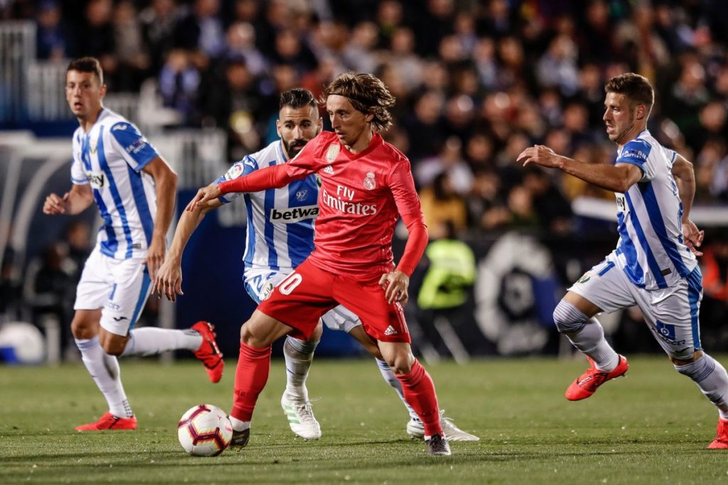 Luka Modric dikepung para pemain Leganes