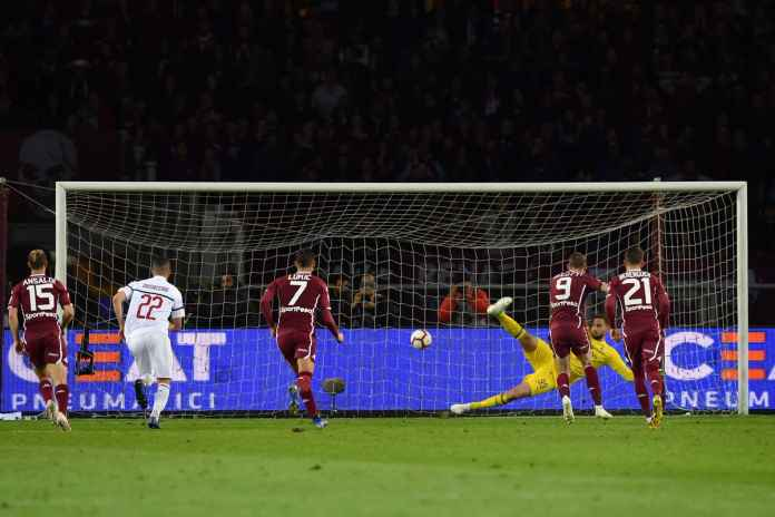 Penalti Torino yang sukses dieksekusi Andrea Belotti