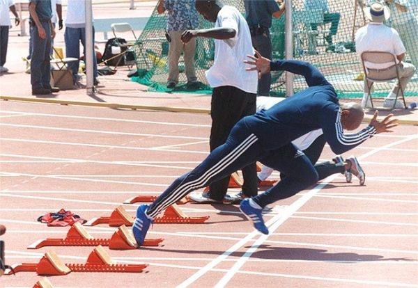 Kesalahan Dalam Melakukan Start Jongkok - OlahragaPedia.com
