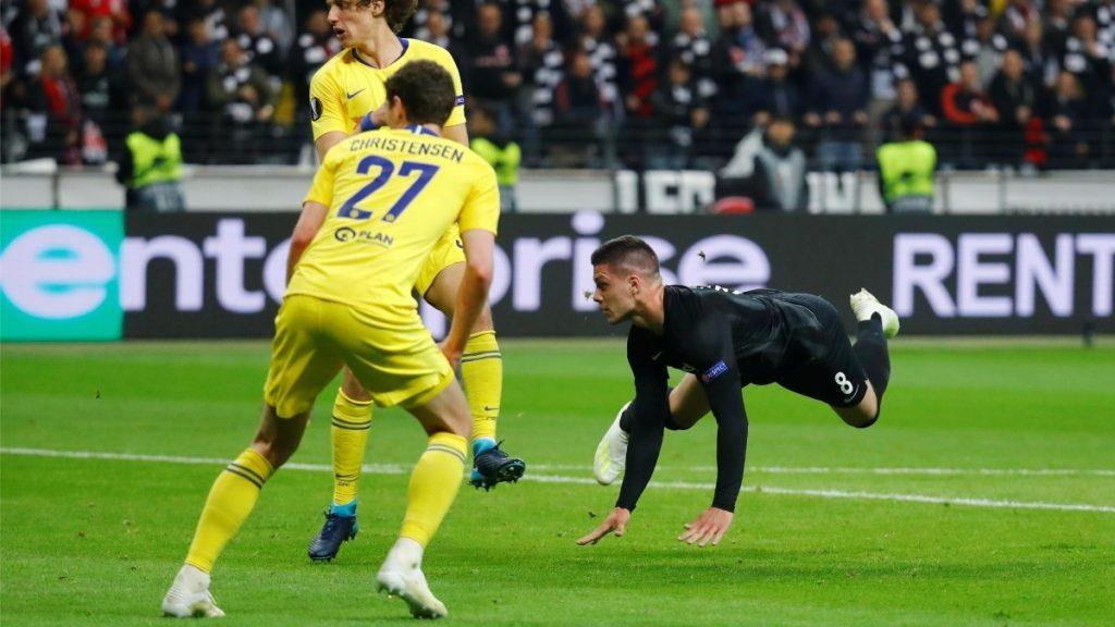 Momen saat Luka Jovic cetak gol ke gawang Chelsea