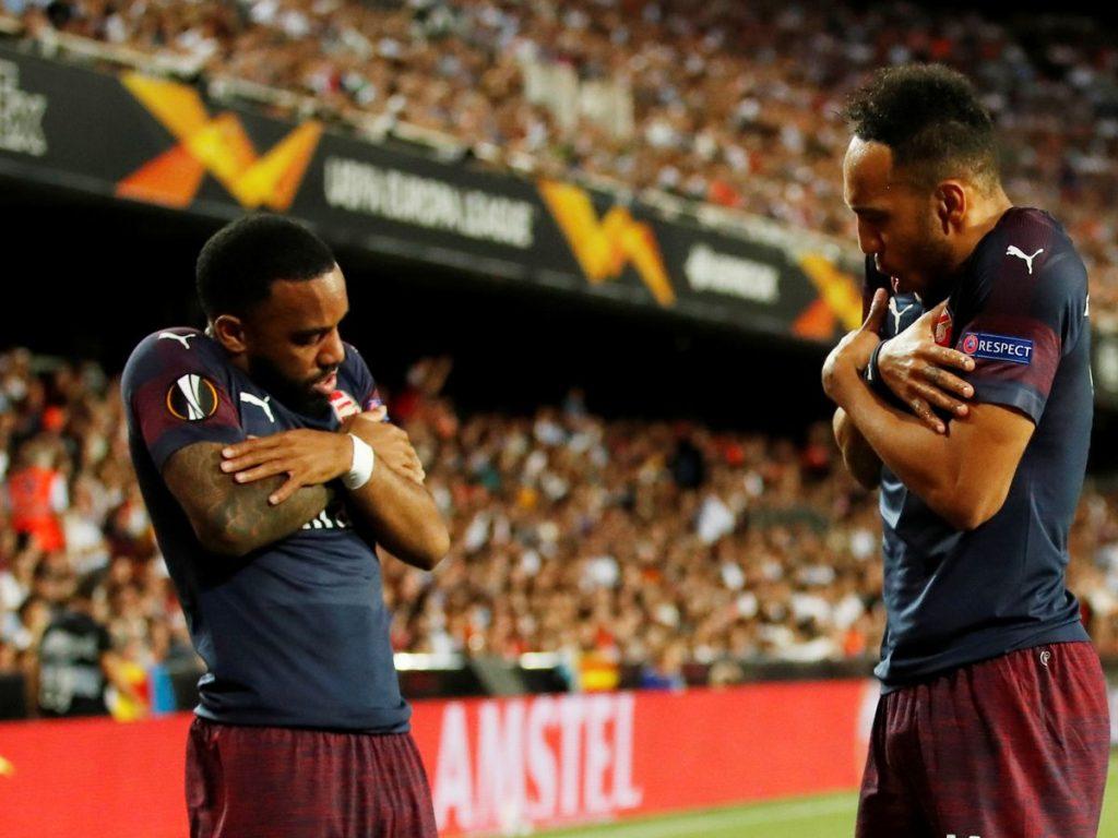 Lacazette dan Aubameyang duet yang hancurkan Valencia di semifinal
