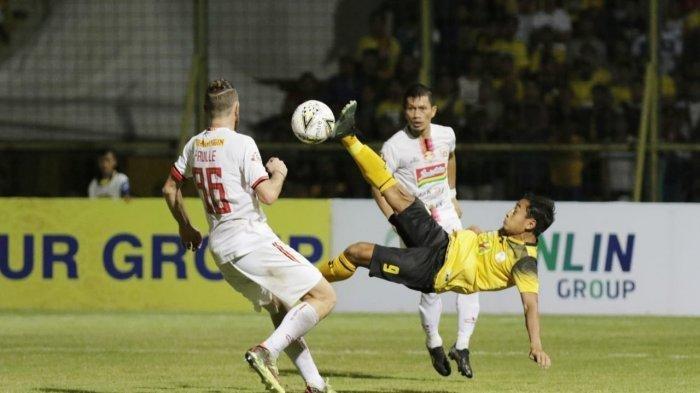 Laga sengit antara Barito Putera vs Persija Jakarta berakhir imbang