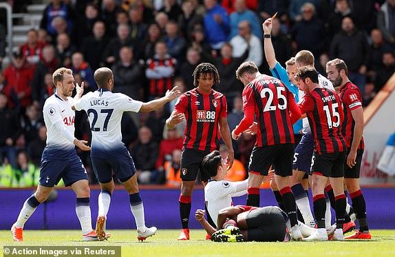 Dua Kartu Merah Untuk Tottenham Warnai Laga Ini