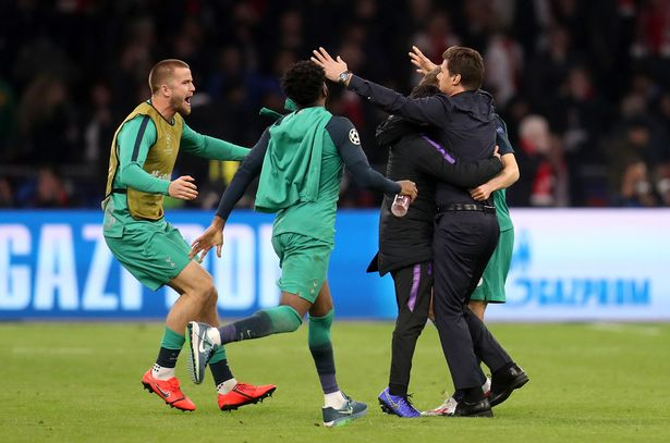 Kegembiraan sang pelatih, Mauricio Pochettino usai pertandingan