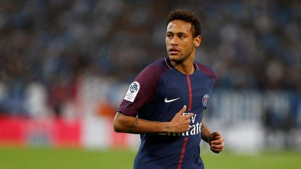 Neymar Tidak Hadir Karena Sedang Menghadiri Acara Amal Menurut Ayahnya